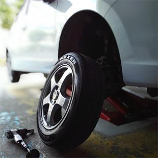 タイヤ交換・取付・販売のイメージ